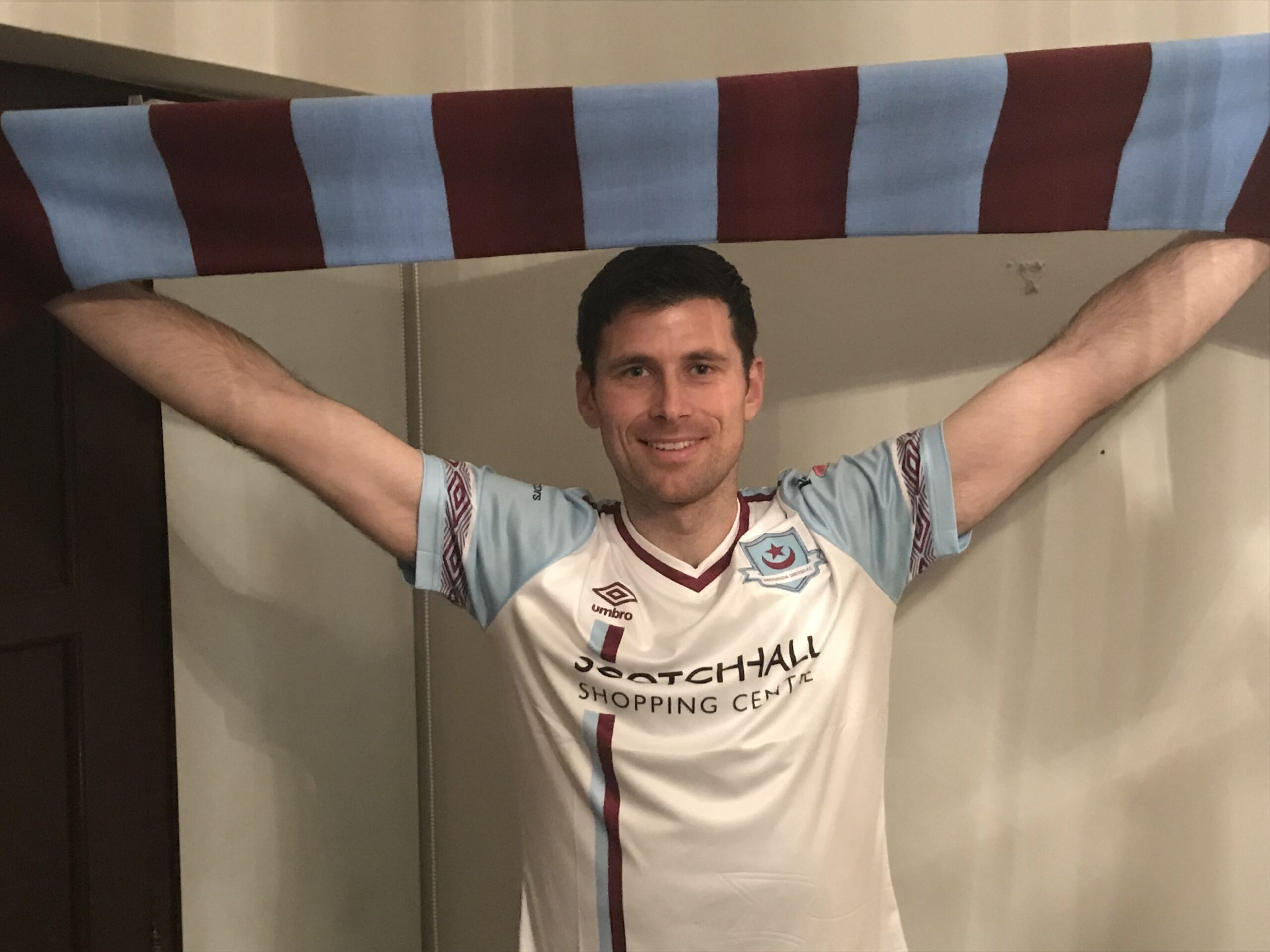 Dinny Corcoran Signs For Drogheda United